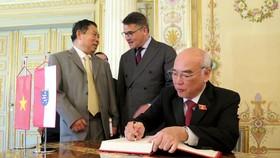 Đoàn Đại biểu Quốc hội TPHCM chào xã giao Chủ tịch Quốc hội bang Hessen - Đức