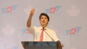 Canadian Prime Minister Justin Trudeau delivers a speech at Ton Duc Thang University (Photo: VNA)