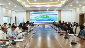 Investors table three large-scale projects in Van Don special economic zone (Photo: quangninh.gov.vn)
