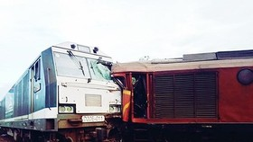 Two trains collide head - on (Photo: SGGP)