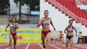 Quach Thi Lan finished first at the women's 400m run with 52.85 seconds (Source: http://thethaohcm.vn)