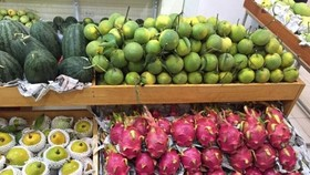 Fruits in the Can Tho Agricultural Products Week in Hanoi in March this year. (Photo: VNA)