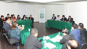 Vietnamese firms meet with the Association of Importers and Exporters of Mexico (ANIERM). (Photo: VNA)
