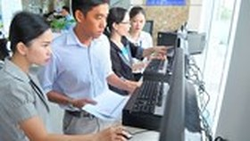 HCMC launches smartphone app to improve public service quality