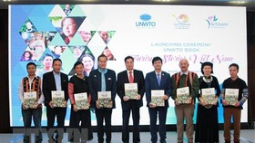 "At the launching ceremony of the ""Tourism Stories-Vietnam Edition"" (Photo: VNA)"