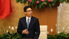 Deputy Prime Minister Vu Duc Dam delivered his appreciation to all scientists who have contributed to the national science and technology. (Photo by VGP)
