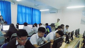 HCMC school organizes first online tests for senior high schoolers