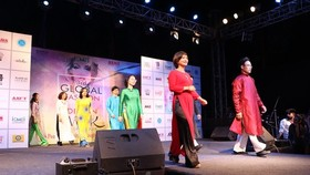 Vietnam's Ao Dai introduced at global fashion event in India