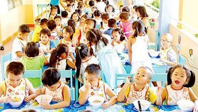 Local authorities, parents cooperate to monitor food safety in school