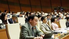 At the seventh session of the 14th National Assembly (NA) in Hanoi yesterday (Photo: SGGP)