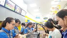 Fast shopping trend sways Vietnamese consumers