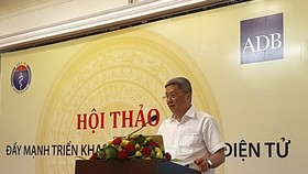 Deputy Health Minister Nguyen Truong Son at a seminar  (Photo: SGGP)