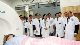 PM urges cancer hospital to improve patients' satisfaction