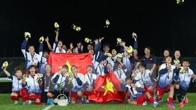 Vietnamese women football team triumph at SEA Games 29 (Photo: VNA)