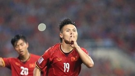 Nguyen Quang Hai (shirt No.19) (Source: VNA)