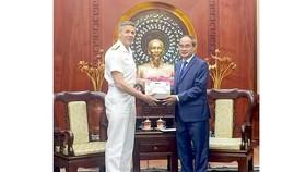 Secretary Nguyen Thien Nhan (R) and Commander of U.S. Indo-Pacific Command (USINDOPACOM) Adm. Phil Davidson