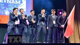The Vietnamese team at the 2019 IMO (Photo: VNA)