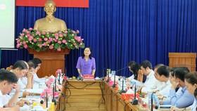 Chủ tịch HĐND TPHCM Nguyễn Thị Lệ làm việc tại UBND quận 11, sáng 17-9-2019. Ảnh: THU HƯỜNG
