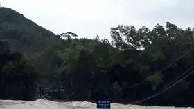 Khu vực sông suối vẫn nước lớn