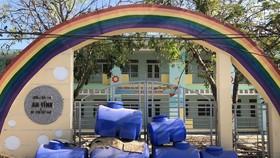 Vừa xây xong, hai trường mầm non ở Lý Sơn thành bãi tập kết rác
