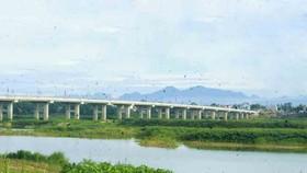 Cầu Thạch Bích có tổng chiều dài hơn 2,4km