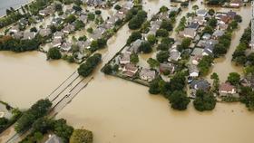 Siêu bão Harvey trút xuống Texas 34.000 tỷ lít nước  