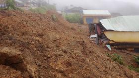 Nhiều nạn nhân bị vùi lấp trong vụ sạt lở núi ở Quảng Nam