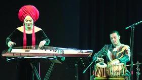 Nghệ sĩ Vân - Ánh Võ: Tự ý thức sứ mệnh quảng bá nhạc dân tộc     