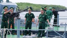 Thủ trưởng, Bộ Chỉ huy Biên phòng TPHCM kiểm tra trang thiết bị, sẵn sàng chiến đâu trên các tàu của Hải đội 2, Bộ đội Biên phòng TP