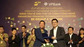 Đại diện của BE Group và VPBank ký kết hợp tác chiến lược cung cấp dịch vụ beFinancial