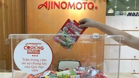 Ajinomoto Cooking Studio cùng người tiêu dùng thu gom bao bì sản phẩm đã qua sử dụng.