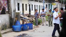 Công an phong tỏa hiện trường vụ việc phát hiện đầu người trong thùng rác