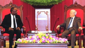 阮富仲總書記接見尤里‧拉托爾蒂議長。(圖源:互聯網)