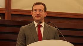 圖為法國駐越南大使貝特蘭‧洛爾拉里(Bertrand Lortholary)。(圖源:互聯網)