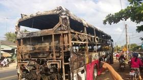 現場的臥鋪客車殘骸。(圖源:互聯網)