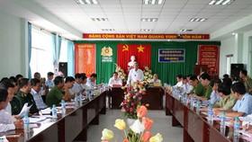 政府常務副總理張和平同隆安省領導舉行的會議現場。(圖源:VGP/孟雄)