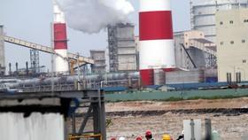 監察工作團正檢查台塑河靖興業鋼鐵公司。