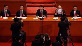 中國國家主席習近平(中)在中共十九大閉幕式上發表講話。(圖源:Andy Wong/Associated Press)