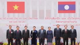 越老兩國領導出席動工儀式。(圖源:越通社)