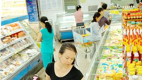 在國內超市購物。