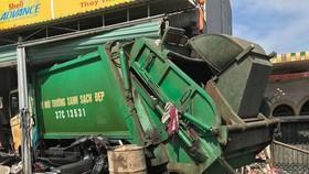 該起交通事故現場,垃圾車失控闖進民宅致3人受傷。(圖源:義壇)