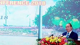 政府總理阮春福在會議上致詞。(圖源:新泰)