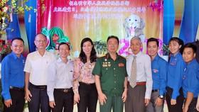 華人抗戰俱樂部致力向青年灌輸教育傳統。