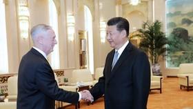 中國國家主席習近平會見美國國防部長馬蒂斯。(圖源:新華網)