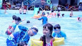 公共游泳池暗藏疾病危機。