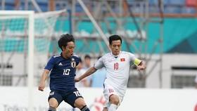 越南(白衣)-日本比賽一瞥。