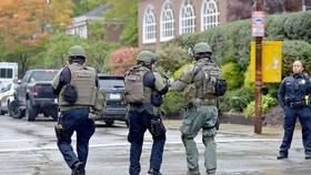 圖為警方在現場調查。(圖源:AP)