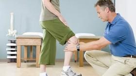 年輕時膝關節一定要省著用。(示意圖源:互聯網)
