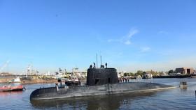 """阿根廷發現失蹤""""聖胡安""""號潛艇。圖為阿根廷潛艇""""聖胡安""""號 2017年6月2日離港照。(圖源:路透社)"""