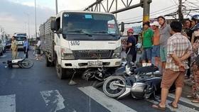 本月6日傍晚,在1號國道的交通事故現場。
